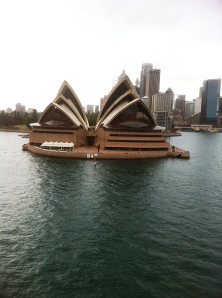 Sydney-Opera-House-from-the-water