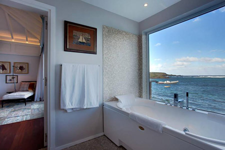 The-Jacuzzi-tub-in-my-bathroom