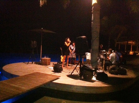 Tais-performing-over-the-pool-at-the-Hotel-Christopher