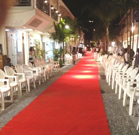 The Fashion Show runway on rue General Charles De Gaulle