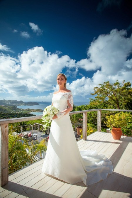 The bride chose to stay at Villa Sky – What a view!