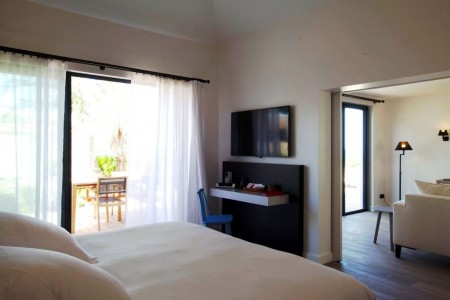 Taiwana Beach Front Suite Bedroom 3