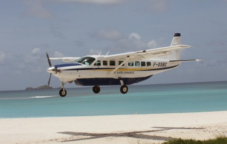 St. Barth Commuter landing