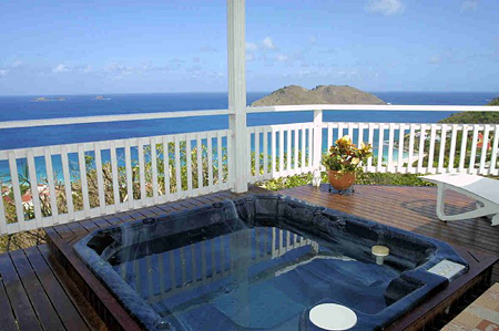 Villa Le Perchoir Jacuzzi and view