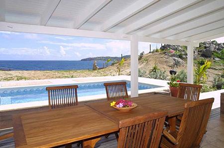 Villa Soie Dining Terrace