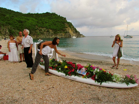 Memorial-Service-on-Shell-Beach-(Photo-Courtesy-of-Antoine-Heckley)