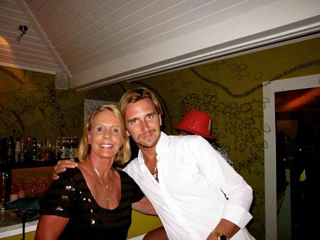 Peg-with-Hotel-La-Banane's-Manager-Benjamin-Fabbri