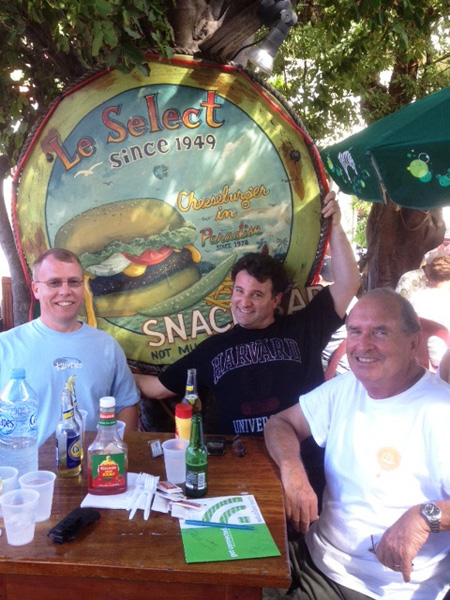 After the course, Mark, Patrick and Steve enjoyed having a beer at Le Select while waiting for their chesseburgers in paradise