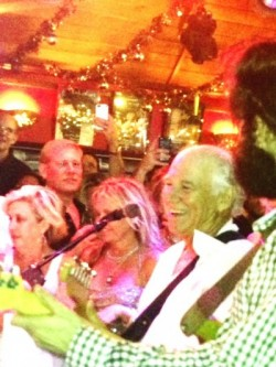 Jimmy Buffett entertains us at the Baz Bar