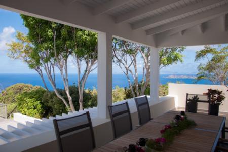 Villa Belle Bague deck