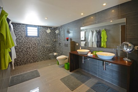 Villa Brume de Mer Bathroom 1