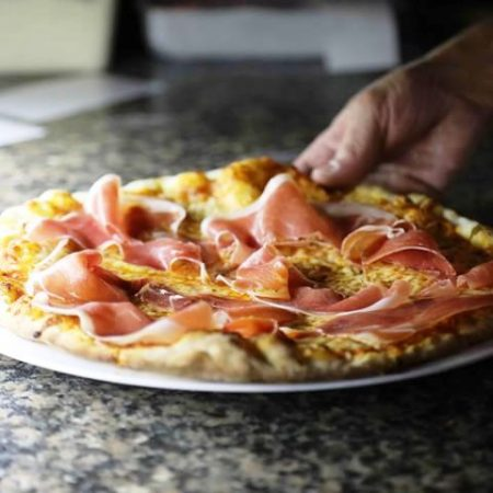 Delicious pizzas to go from La Bagatelle